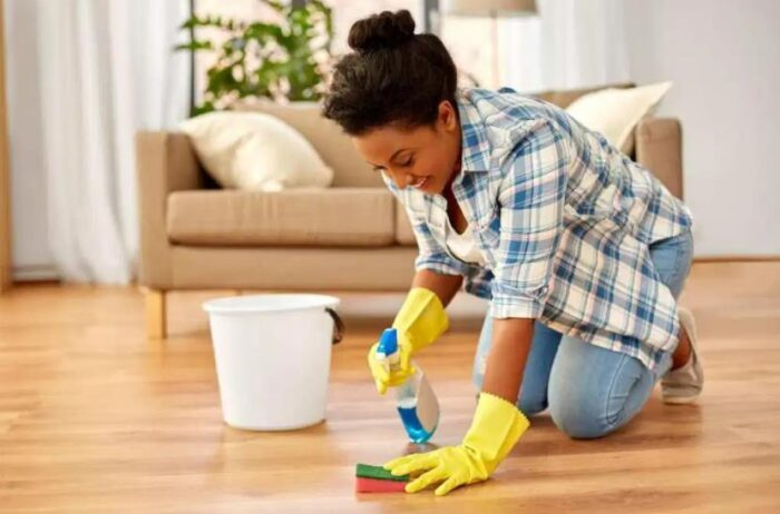 remove stains from vinyl floors