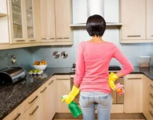 cleaning the stains on kitchen floor