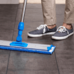 Top 7 Best Dry Mop Reviews & Buying Guide 2020
