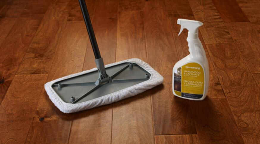 cleaning laminate floors