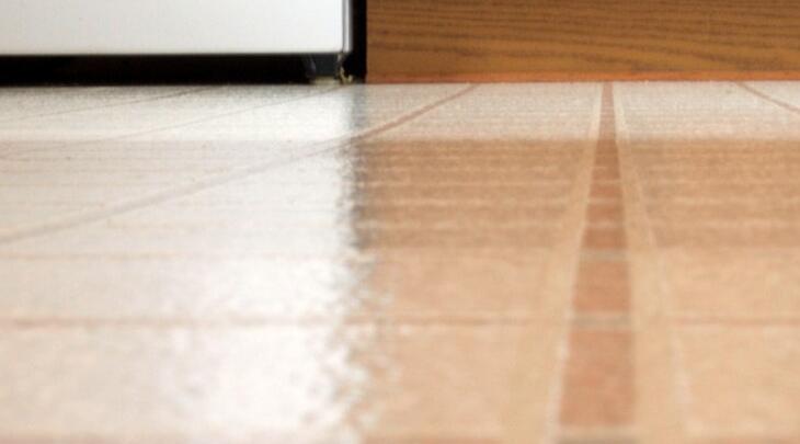 how to wax linoleum floors