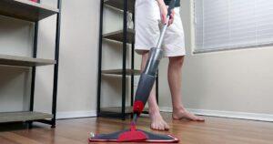 rubbermaid reveal spray mop reviews