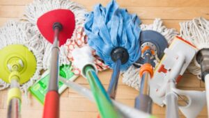 flat mop vs string mop for cleaning floors